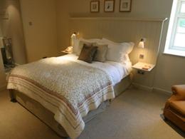 Ragged Cot Room